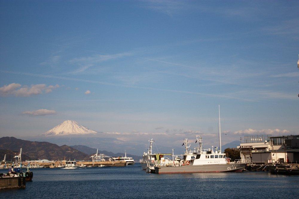 清水港と世界遺産富士山