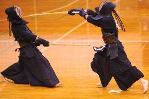 スポーツDVDで剣道を学ぶ