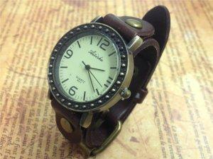 スチームパンク的腕時計